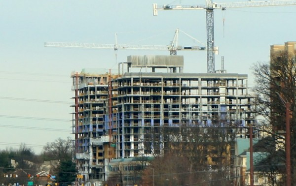 Construction of new Reston high rise