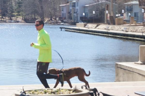 Sunny day run at Lake Anne Plaza