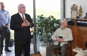 Simon and Rep. Gerry Connolly (L)/File photo