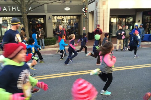 Gingerbread Man Mile/Credit: Jim Curren via Facebook