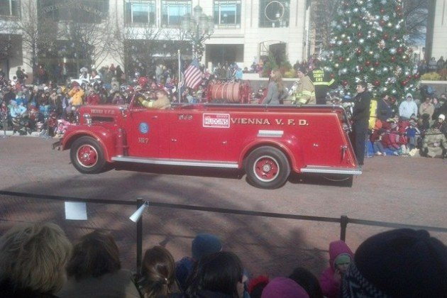 Reston Holiday Parade/Credit: Mark Ingrao via Facebook
