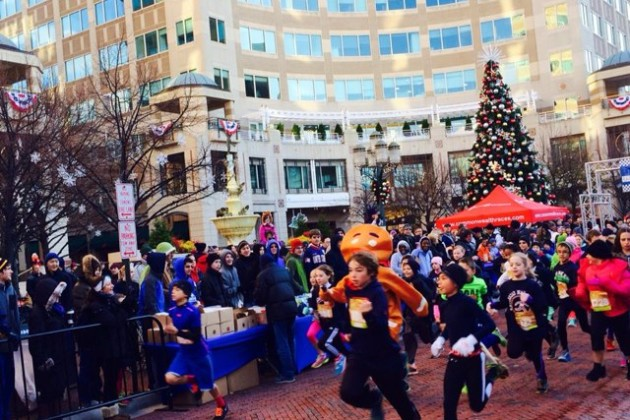 Gingerbread Man Mile/Credit: Reston Town Center via Facebook