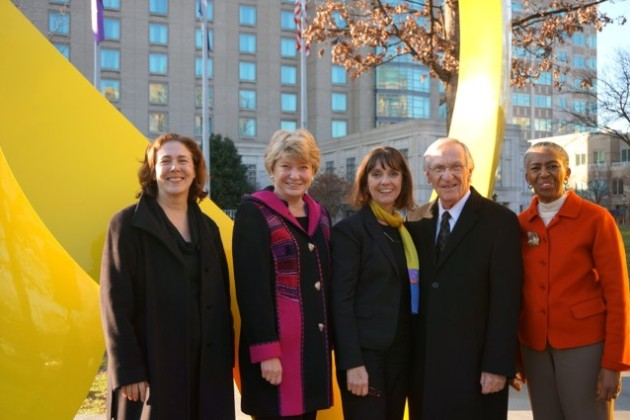 IPAR Executive Director Anne Delaney, Sen. Janet Howell, Artist Mary Ann Mears, Del. Ken Plum and Supervisor Cathy Hudgins