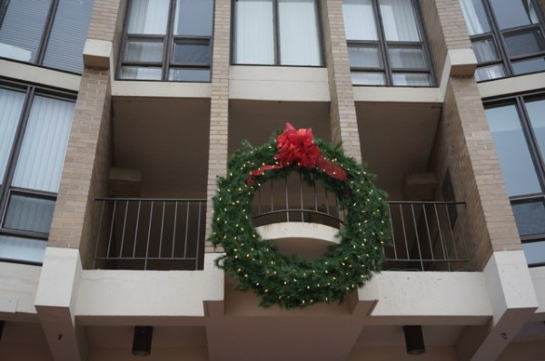Wreath decorates Lake Anne Plaza