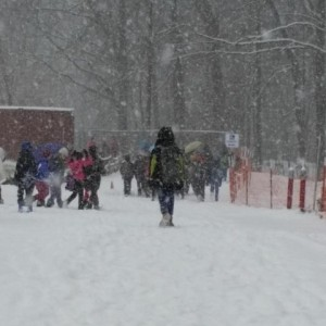 Terraset ES students walk to school in snow/Credit: Cindy Chiou-Conlin via Facebook