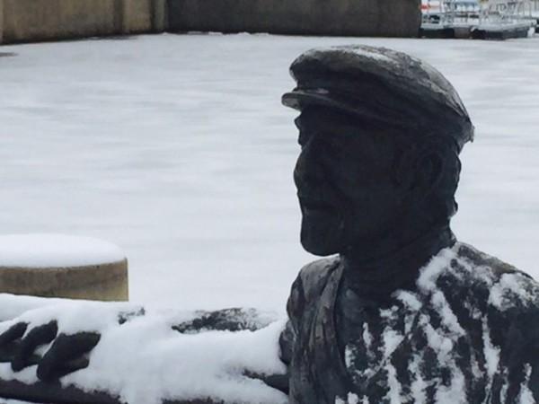 Bronze Bob in winter