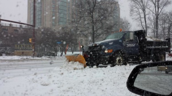 Plow on Reston Parkway March 5/Credit: Eddie via Twitter