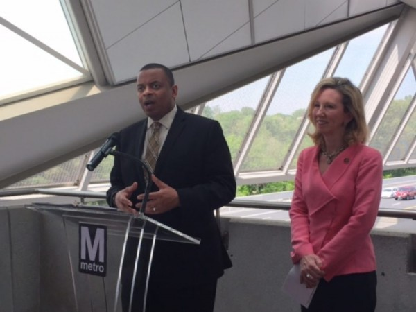 US Transportation Secretary Anthony Foxx (left) and Rep. Barbara Comstock at Wiehle-Reston East