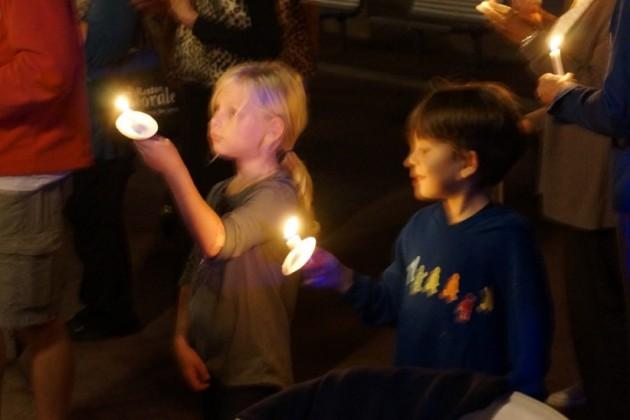 Candlelight vigil for Bob Simon