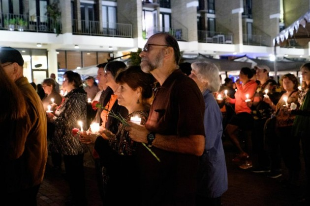 Candlelight vigil for Bob Simon/Credit: Charlotte Geary