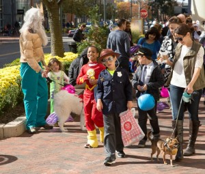 Halloween at Reston Town Center 2015/Credit: Don Renner