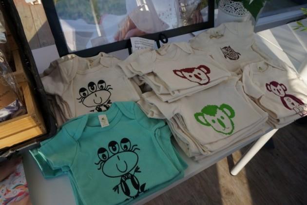 Handmade clothing at Yinibini Baby
