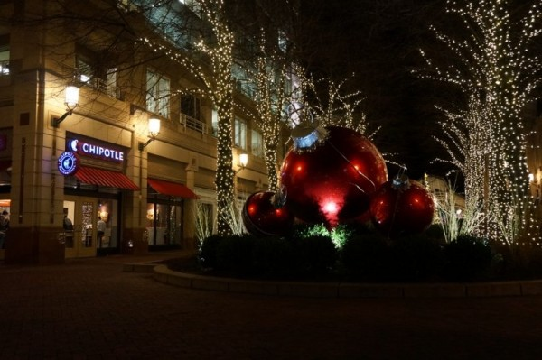 Reston Town Center Christmas lights