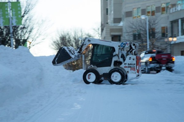 Blizzard cleanup at Reston Town Center/Credit: Don Renner