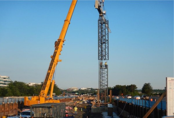 Crane at Reston Town Center Station/Dulles Corridor Mettrorail Project