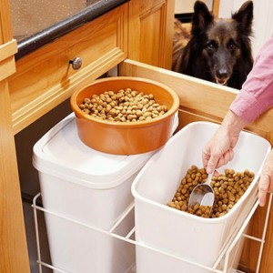 Pull-out bins for pet food/AKG Design