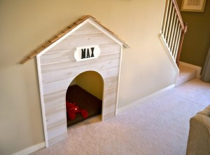 Dog bed in under-stairs space/AKG Design