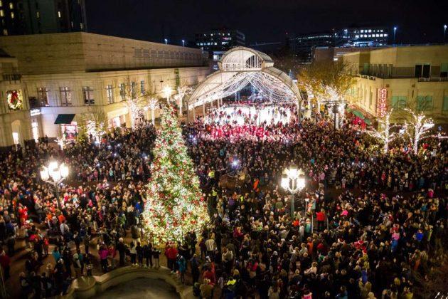 2016 RTC Tree Lighting at Holiday Parade / Credit: RTC