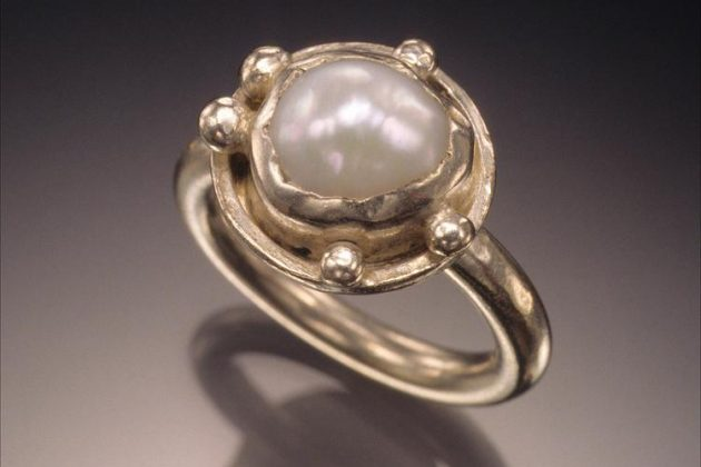 Courtney Gillen – Hand-fabricated sterling silver and freshwater pearl ring