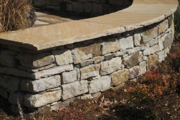 Town Of Herndon Boards Consider New Outback Steakhouse Walls At Chestnut Grove Cemetery